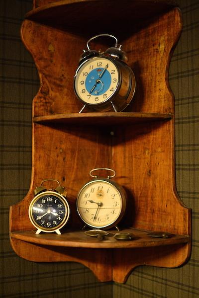 Réveils dans l'horlogerie au village des métiers d'antan à Saint-Quentin