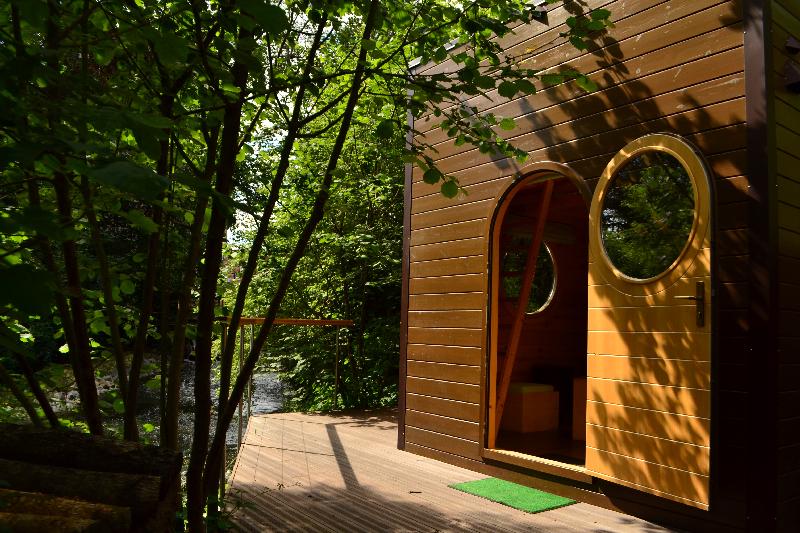 carr d 39 toiles avec bain nordique la maison de l 39 omignon. Black Bedroom Furniture Sets. Home Design Ideas