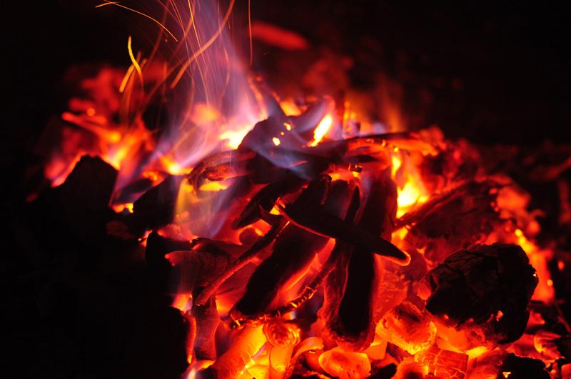 braises feu hygge chalet grill finlandais