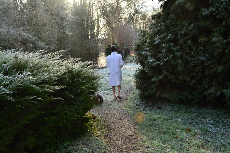 homme allant au spa bain nordique