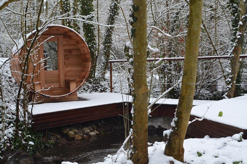 spa finlandais sous la neige