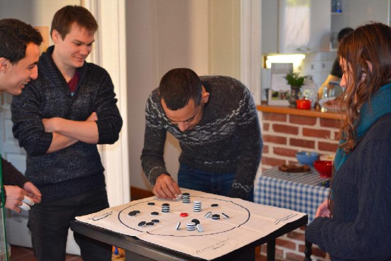 Les jeux de société pendant votre séjour en groupe insolite
