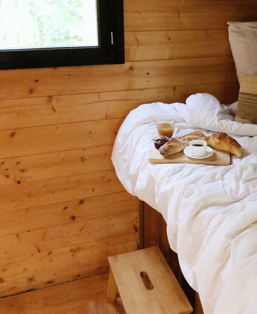 demarrer la journee lentement des le lever du lit ralentir son rythme