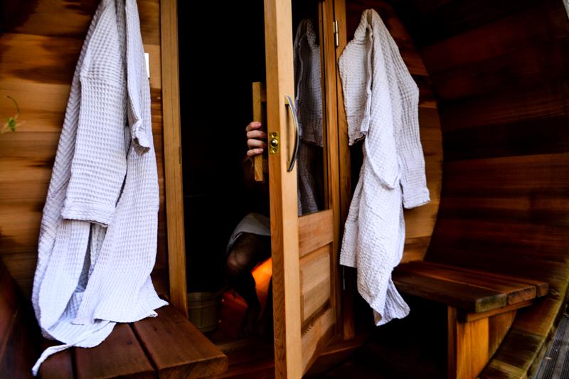 sauna privatif pour une nuit insolite en amoureux